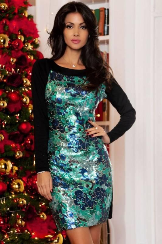 Нарядное платье с пайетками