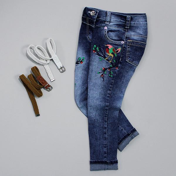 Джинсы для девочки с вышивкой и ремешком